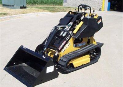 Mininakladač BOXER 320